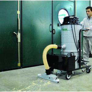 Aspiratore-industriale-nel-settore-pulizia
